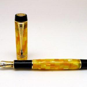 Parker-Duofold-Demi-Citrine-GT-Fountain-Pen-nib-R